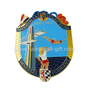 Wholesale custom soft enamel gold metal carnival medals